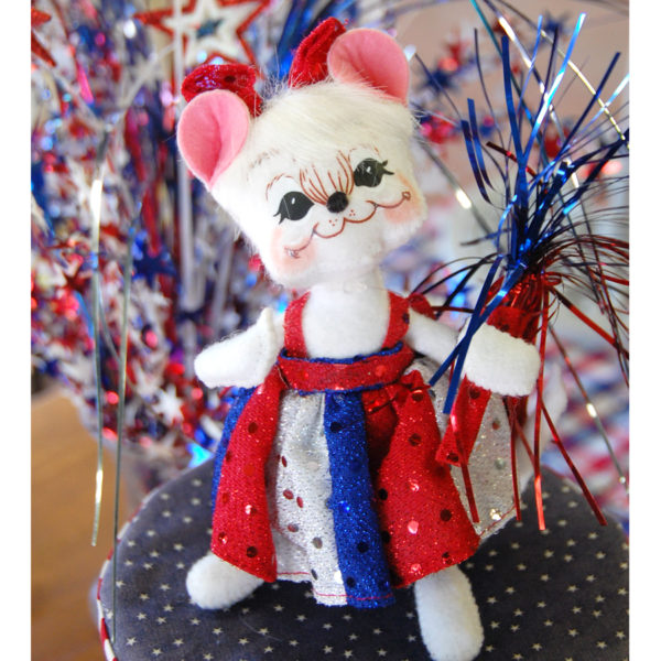 "6"" Patriotic Girl Mouse"