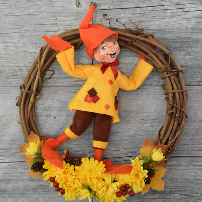 861118 12in Autumn Wreath Elf