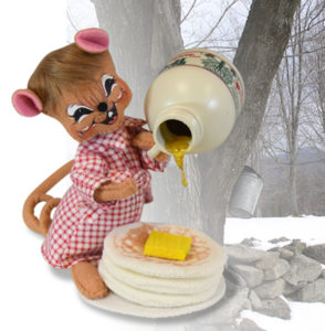 850519 6 inch pancakes and syrup mouse