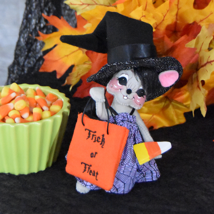 6 inch hocus pocus witch mouse