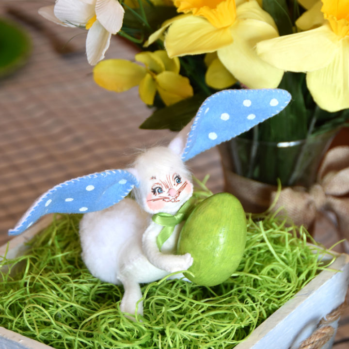 2021 5in Bunny with Egg-WEB