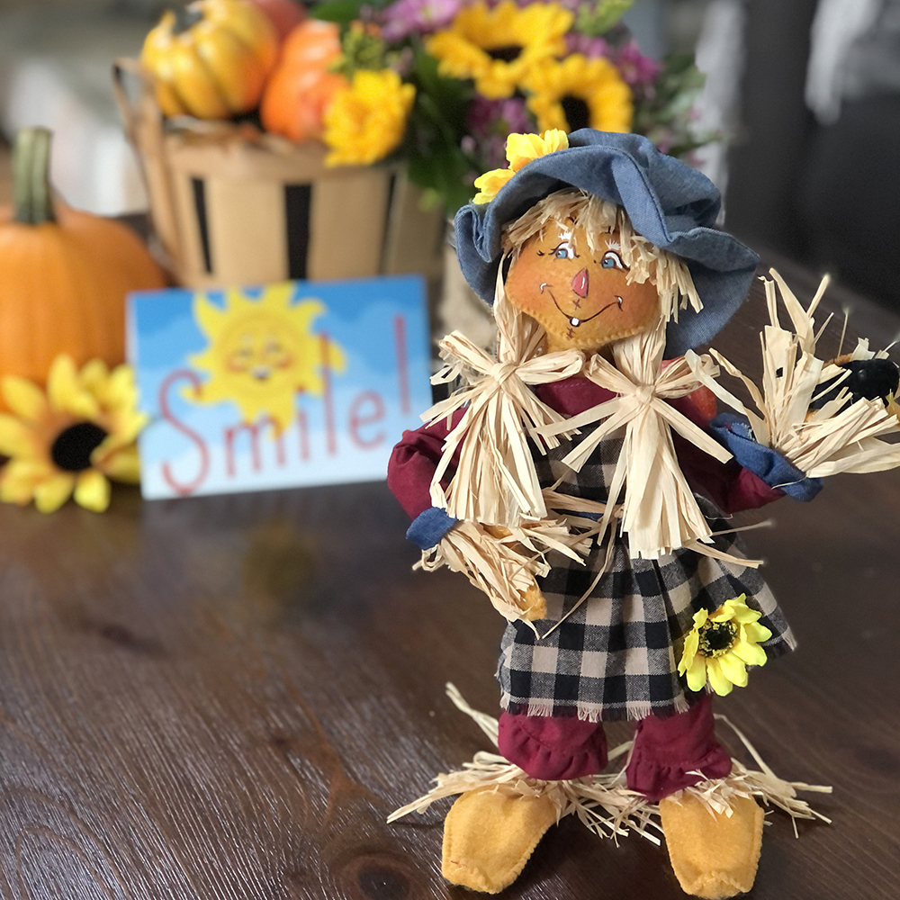 '21 Smile-12in Scarecrow Mom